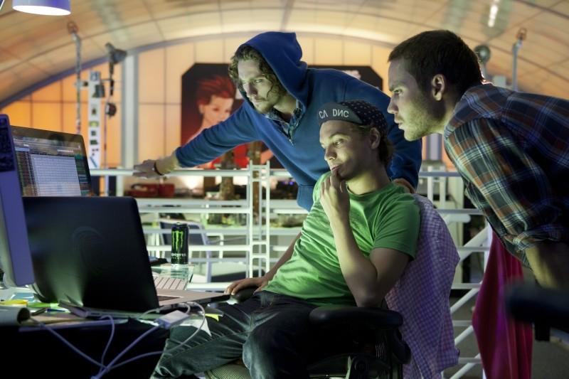 Le belve: Taylor Kitsch, Emile Hirsch e Aaron Johnson in una scena del film