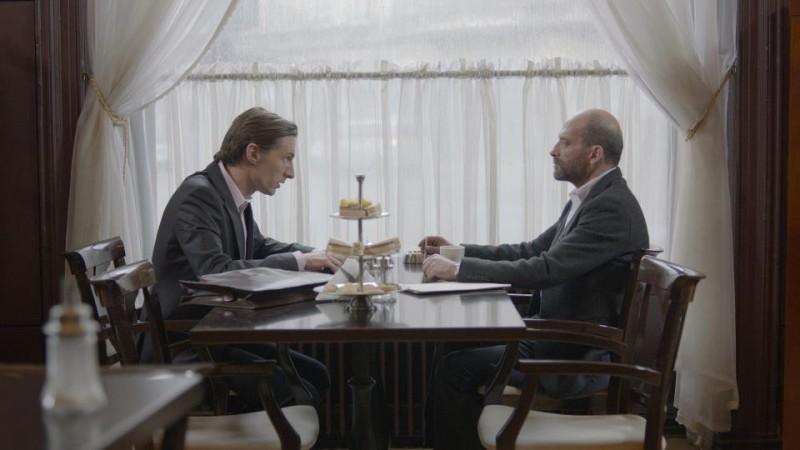 Sebastiano Filocamo in una sequenza 'Tutti i rumori del mare' (2012) con Benn Northover