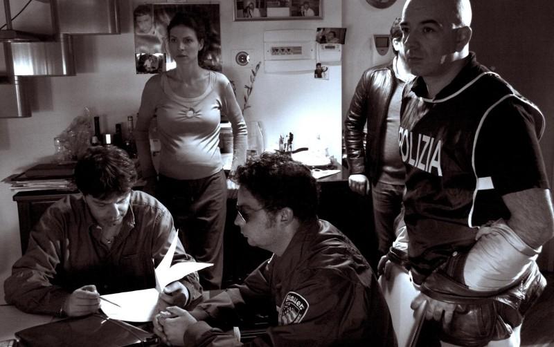 Cronaca di un Assurdo Normale: Chiara Ricci e Stefano Calvagna in una scena