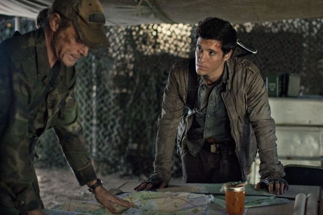 Falling Skies: Will Patton e Drew Roy nell'episodio Worlds Apart