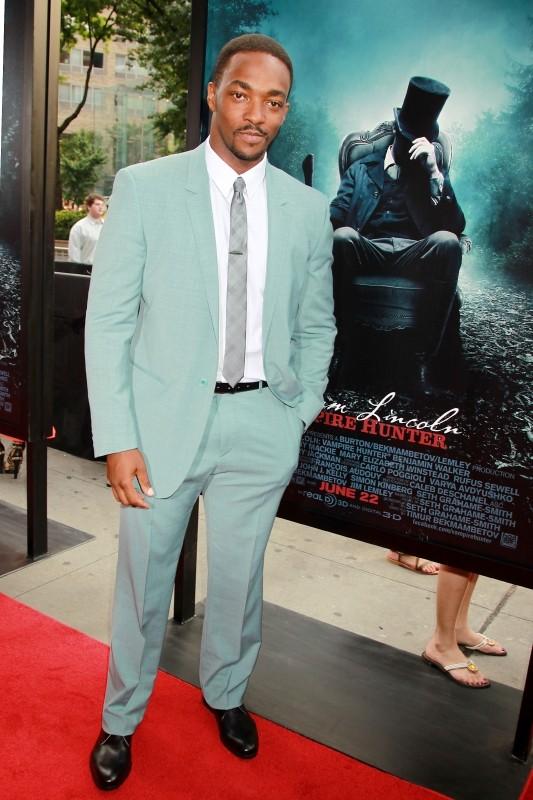 La leggenda del cacciatore di vampiri: Anthony Mackie sul red carpet newyorkese durante la premiere mondiale del film