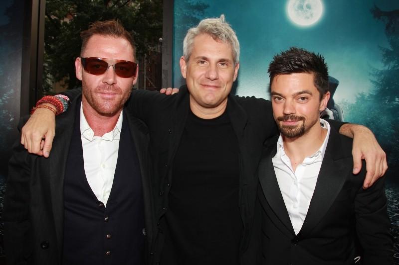 La leggenda del cacciatore di vampiri: il produttore Jim Lemley insieme a Marton Csokas e Dominic Cooper a New York City per la premiere mondiale