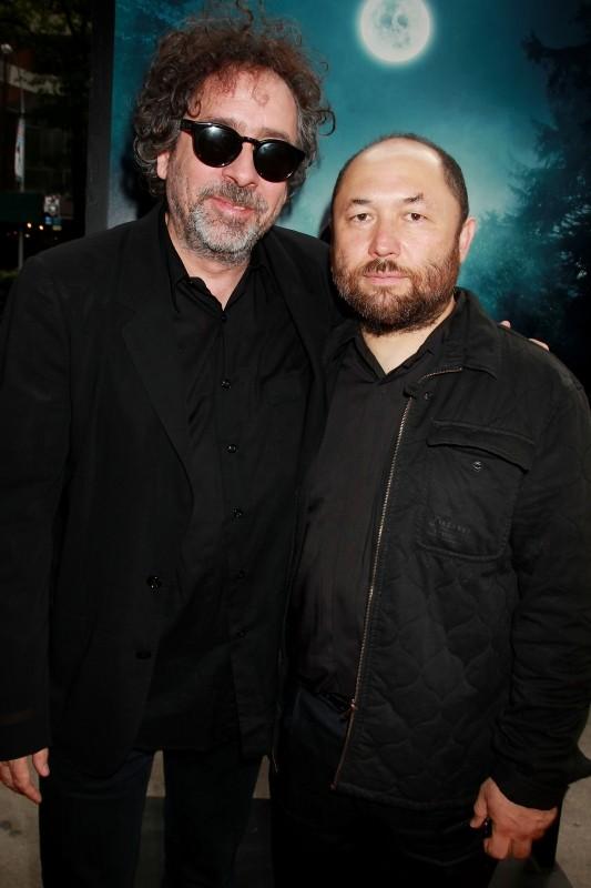 La leggenda del cacciatore di vampiri: il regista Timur Bekmambetov insieme a Tim Burton (produttore) a New York City per la premiere mondiale
