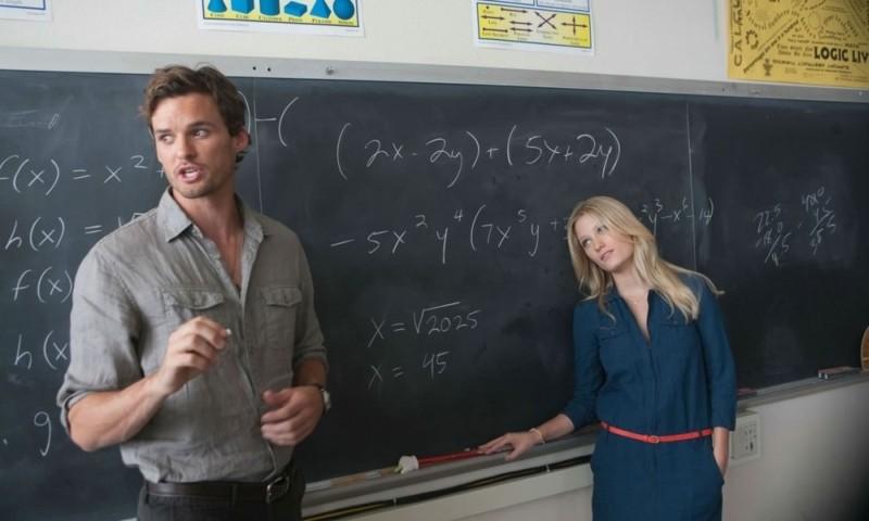 LOL - Pazza del mio migliore amico: Ashley Hinshaw insieme ad Austin Nichols, suo fascinoso professore, in una scena