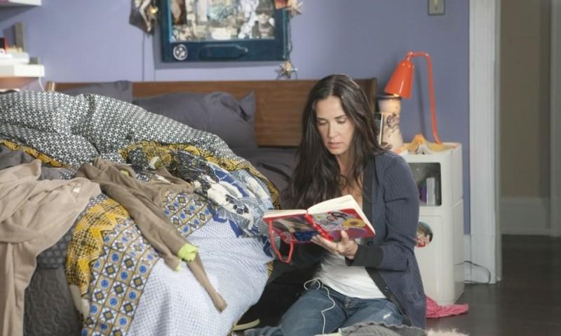 LOL - Pazza del mio migliore amico: Demi Moore ficca il naso nel diario di sua figlia in una scena