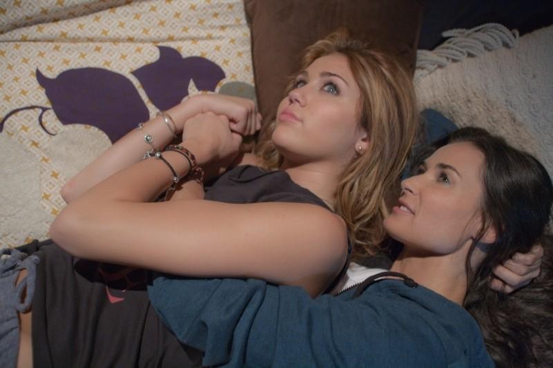 LOL - Pazza del mio migliore amico: Miley Cyrus e Demi Moore in una scena del film