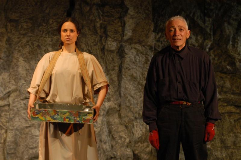 TORINO/TEATRO CARIGNANO/ LORENZA CAROLEO (gipsy-venditore di coscienze) con MATTIA MACHIAVELLI (mephisto) / in una scena di Upupa My Dream is My Rebel King / regia di ANTONIO ORFANO'
