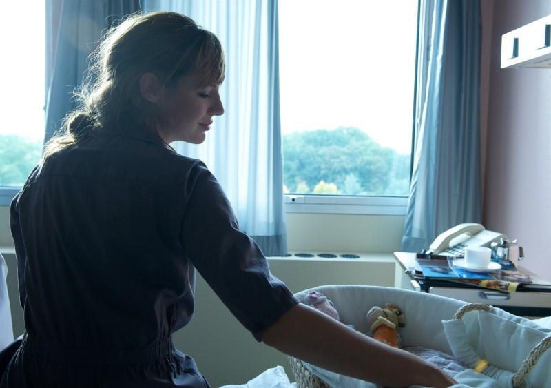 Travolti dalla cicogna: Louise Bourgoin in una scena del film