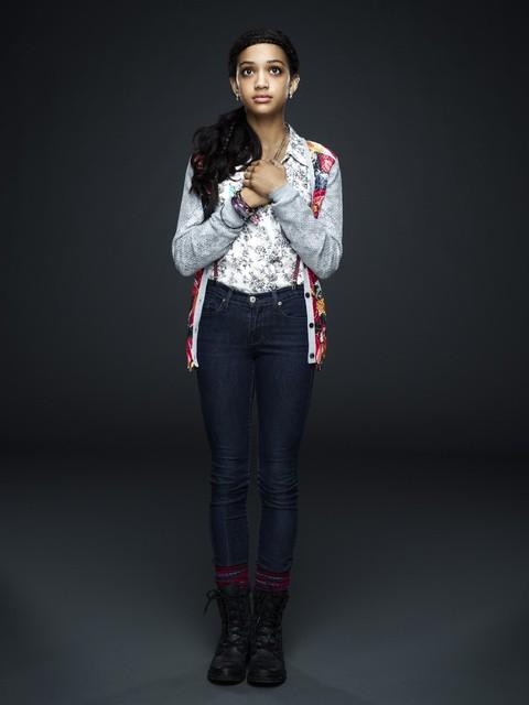 666 Park Avenue: Samantha Logan in una foto promozionale della serie