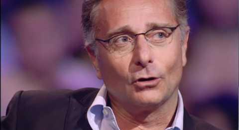 Paolo Bonolis durante un intervento a Servizio Pubblico