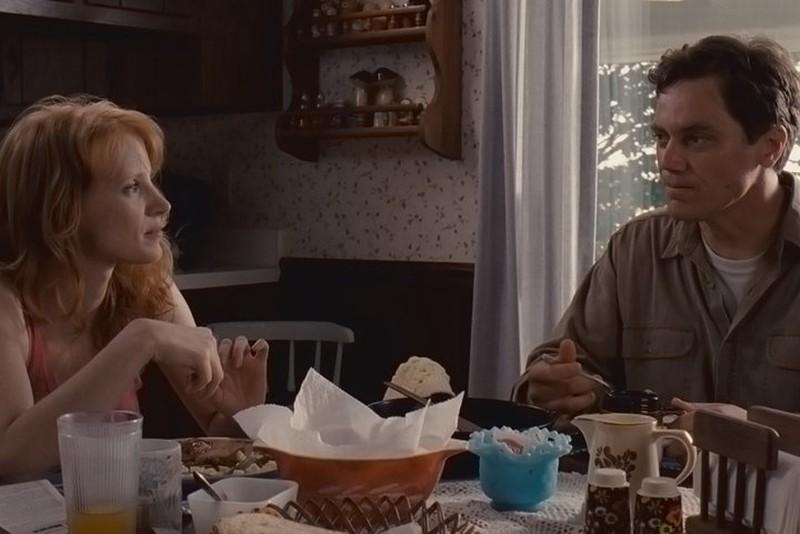 Michael Shannon insieme a Jessica Chastain in un'immagine di Take Shelter