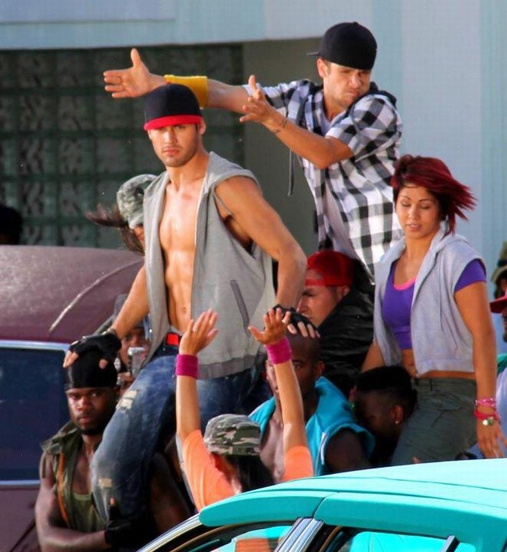 Ryan Guzman in una scena di Step Up Revolution