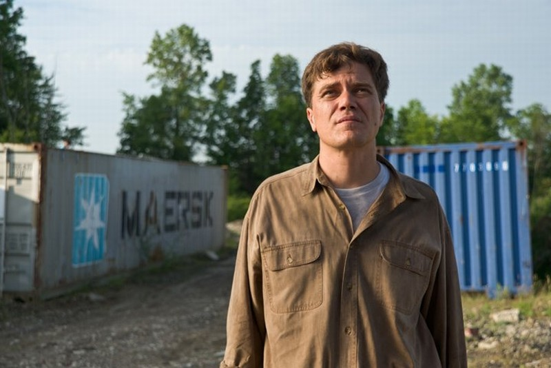 Take Shelter: Michael Shannon in una scena tratta dal film diretto da Jeff Nichols