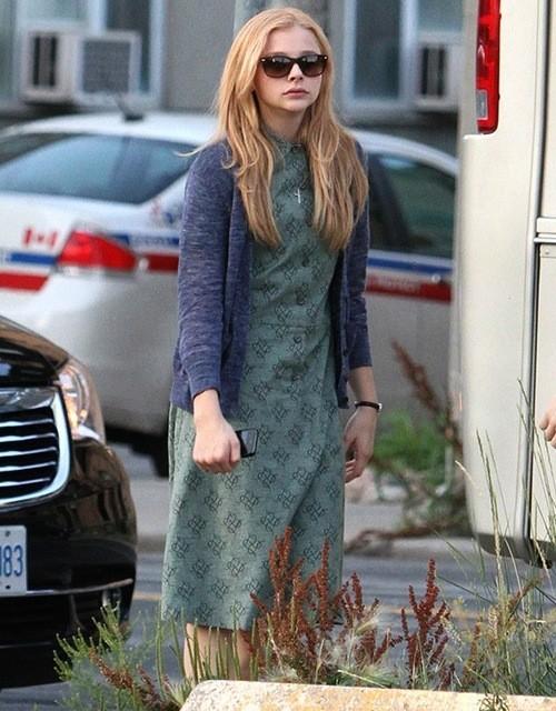 Ecco la prima immagine di Chloe Moretz sul set canadese di Carrie