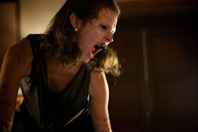 Grimm: Amy Acker in una scena dell'episodio Tarantella