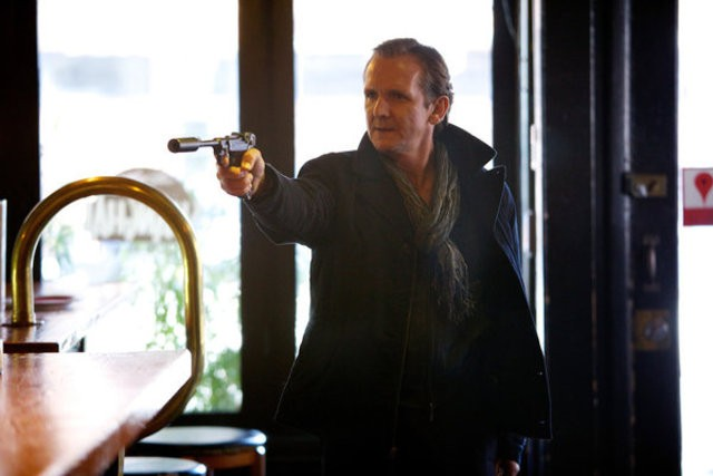 Grimm: Sebastian Roché in una scena dell'episodio Cat and Mouse