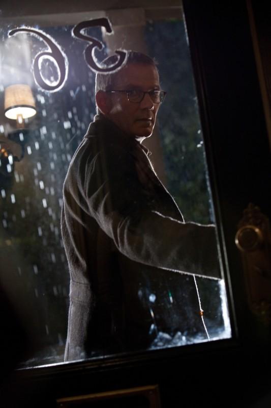 Campbell Scott in una scena di The Amazing Spider-Man