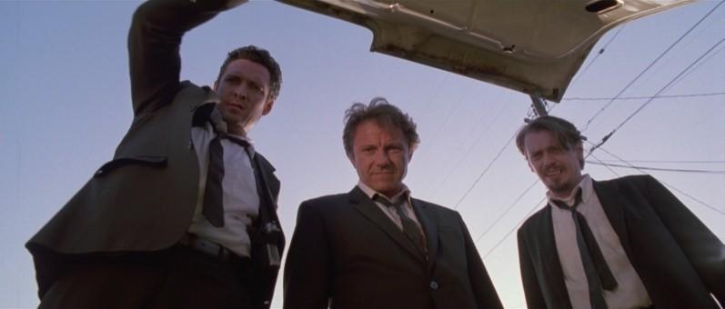 Le Iene: Michael Madsen, Steve Buscemi e Harvey Keitel in una scena del film