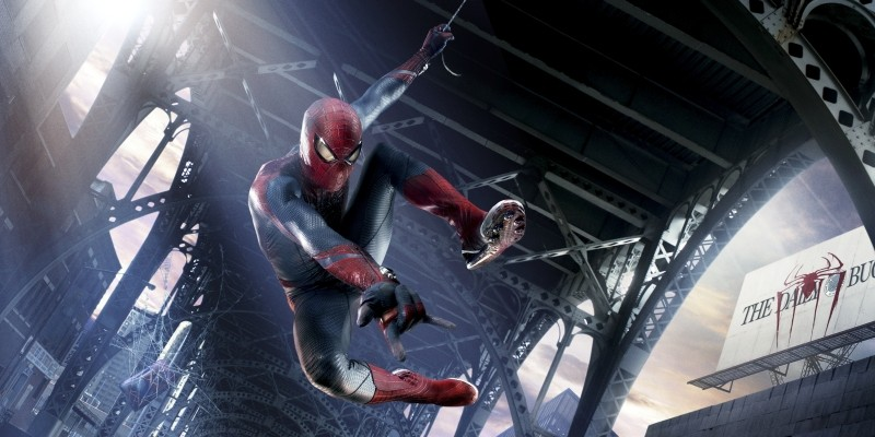 The Amazing Spider-Man: Andrew Garfield in 'veste' di Uomo Ragno in un momento del film