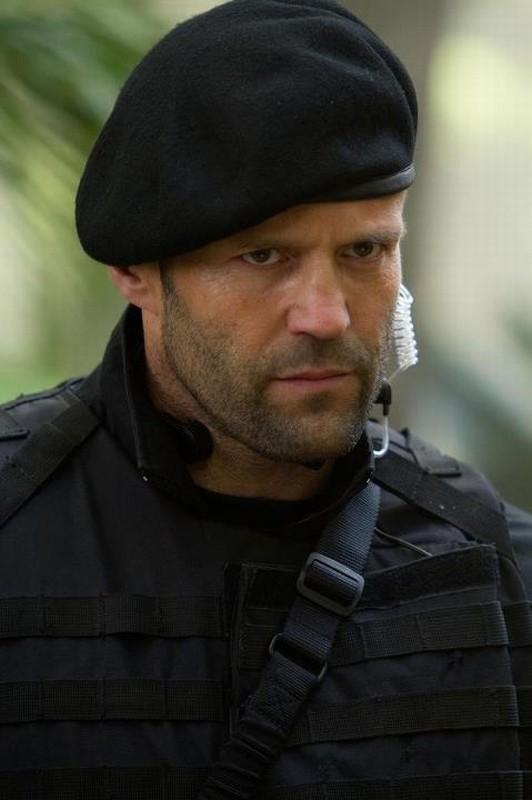 I mercenari 2 : Jason Statham è Lee Christmas in una scena del film