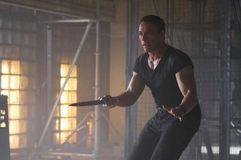I mercenari 2: Jean-Claude Van Damme nei panni di Jean Vilain in una scena del film