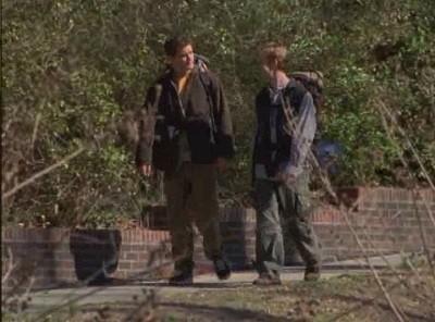 James van Der Beek e Joshua Jackson nell'episodio Fratelli di sangue della serie Dawson's Creek