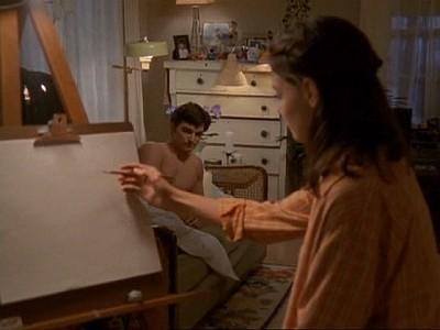 Katie Holmes e Kerr Smith in una scena dell'episodio Comportamenti ad alto rischio della serie Dawson's Creek