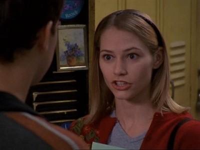 Meredith Monroe in un momento dell'episodio L'elezione della serie Dawson's Creek