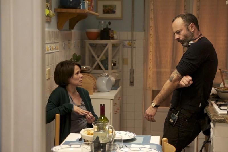 Gli equilibristi: il regista Ivano De Matteo sul set insieme a Barbora Bobulova