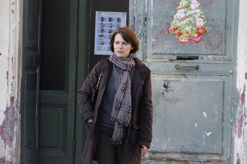 Gli equilibristi: un'immagine di Barbora Bobulova nei panni di Elena, una moglie tradita che chiede la separazione