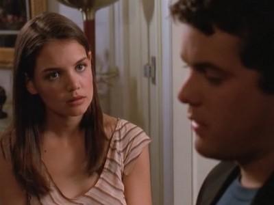 Joshua Jackson e Katie Holmes nell'episodio Separazioni della serie Dawson's Creek