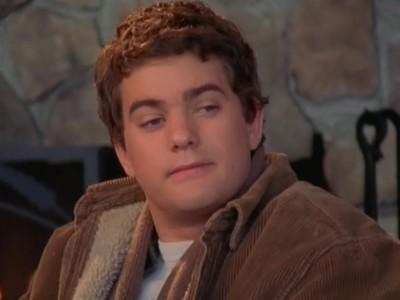Joshua Jackson nell'episodio Mentire per amore della serie tv Dawson's Creek