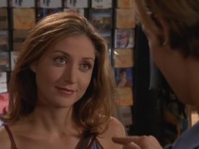 Sasha Alexander in un momento dell'episodio Un rave da sballo della serie Dawson's Creek