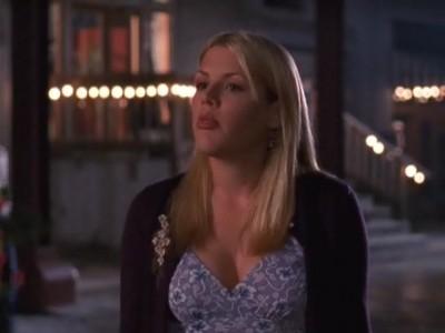 Busy Philipps in un momento dell'episodio Amore senza fine della serie Dawson's Creek