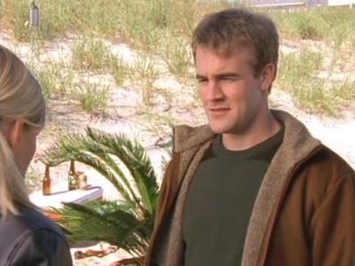 James van Der Beek in un momento dell'episodio Televisione, che passione! della serie Dawson's Creek