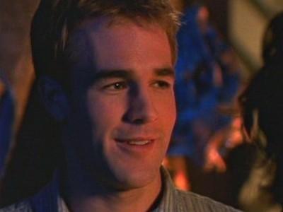 James van Der Beek in un momento dellì'episodio Sesso e gelosia della serie Dawson's Creek
