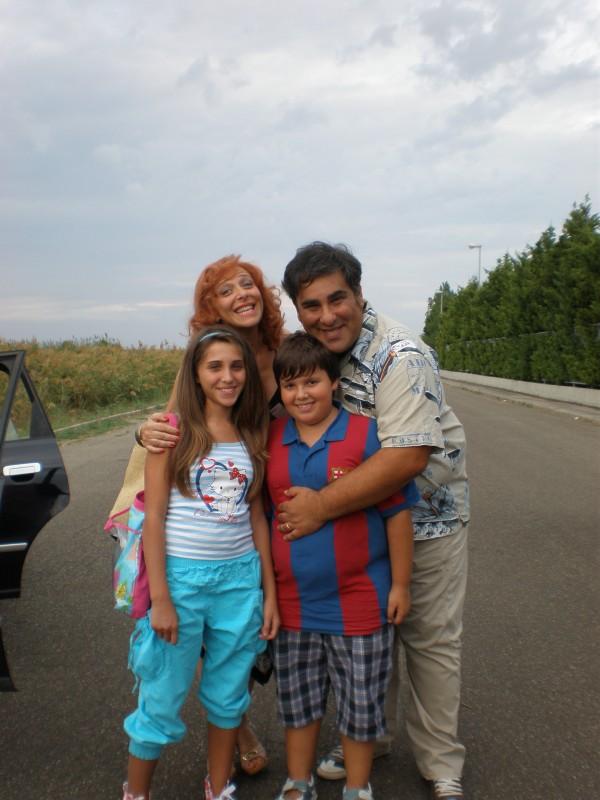 Arnaldino (Antonio Gentile) e la famiglia cinematografica di Operazione Vacanze