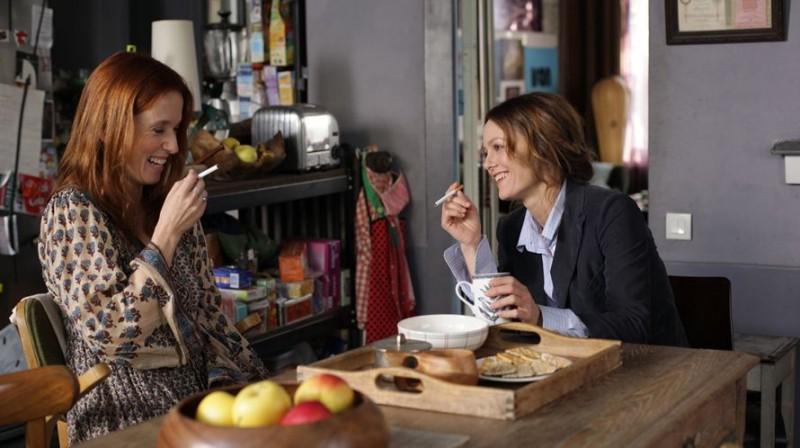 Vanessa Paradis con Léa Drucker in Je me suis fait tout petit