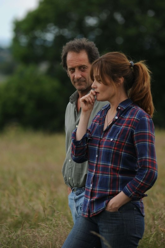 Quelques heures de printemps: Emmanuelle Seigner con Vincent Lindon in una scena