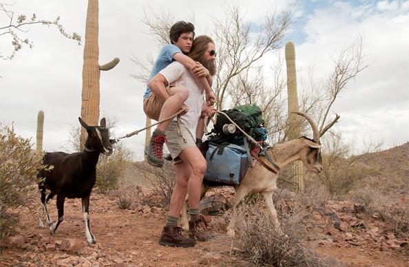 Graham Phillips e David Duchovny in una scena di Goats