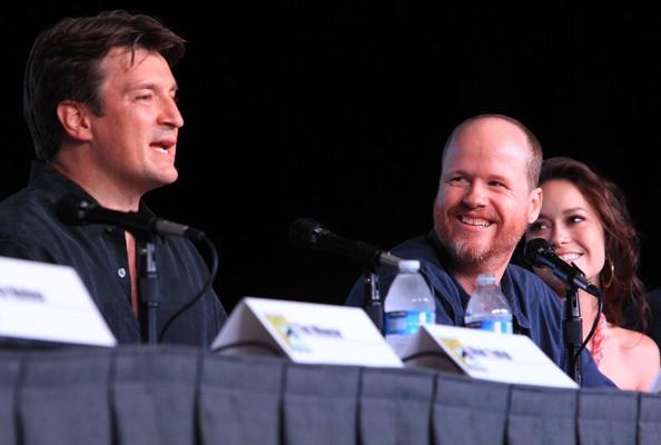 Nathan Fillion, Joss Whedon e Summer Glau alla reunion di Firefly al Comic-Con 2012 per il decimo anniversario della serie