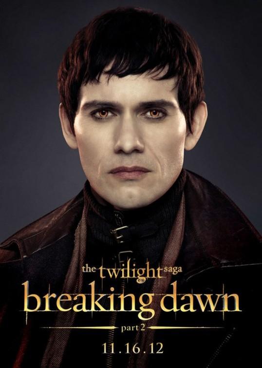 The Twilight Saga: Breaking Dawn - Parte 2: Christian Camargo nel character poster di Eleazar