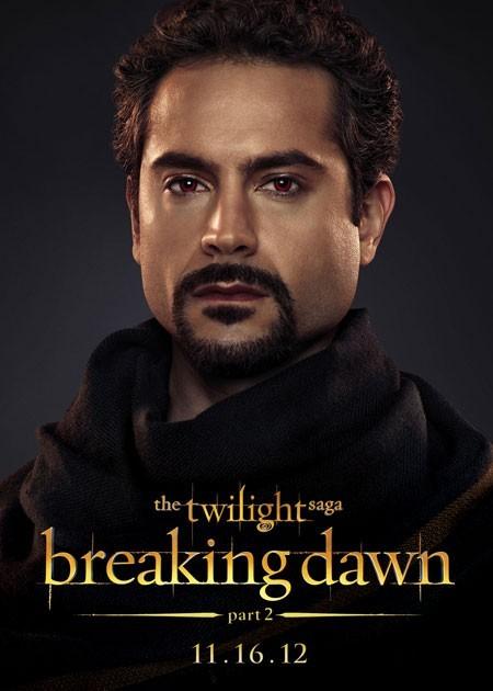 The Twilight Saga: Breaking Dawn - Parte 2: Omar Metwally nel character poster di Amun