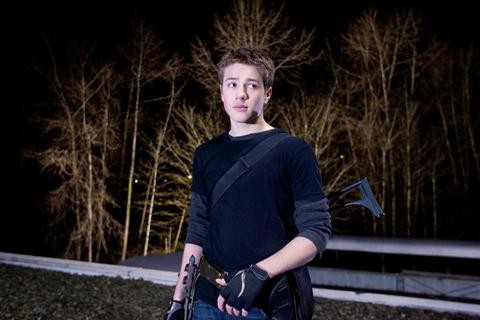 Falling Skies: Connor Jessup in un'immagine dell'episodio Ritorno a casa