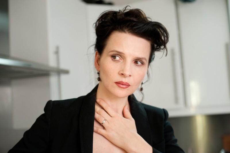 Elles: Juliette Binoche è ansiosa in una scena del film