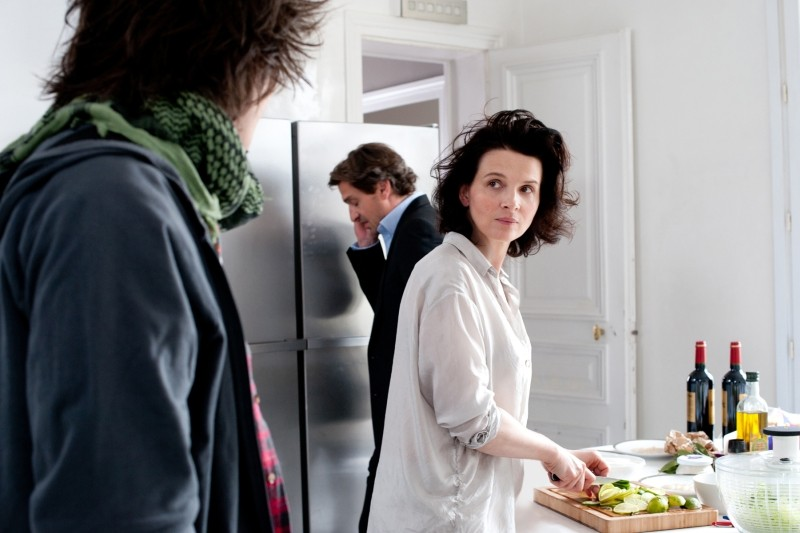Elles: Juliette Binoche in una scena del film con Louis-Do de Lencquesaing