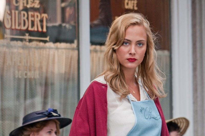 The Words: Nora Arnezeder nei panni di Celia in una scena