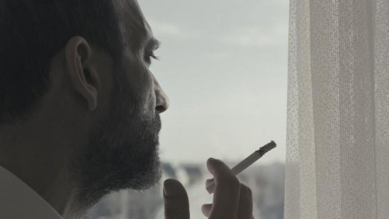 Tutti i rumori del mare: il protagonista Sebastiano Filocamo in una scena del film