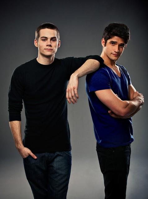 Teen Wolf: Dylan O'Brien e Tyler Posey in una immagine promozionale della stagione 2