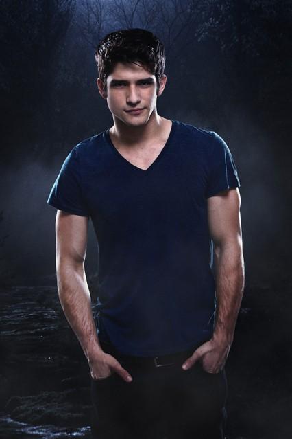 Teen Wolf: Tyler Posey in una immagine promozionale della stagione 2